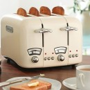 DeLonghi Argento 4 Slice Retro Toaster Cream CT04E