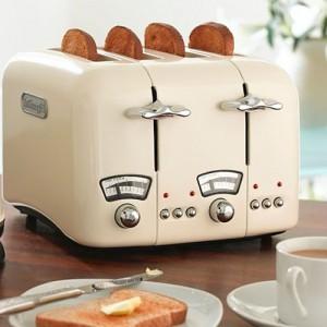 DeLonghi Argento 4 Slice Retro Toaster Cream CT04E
