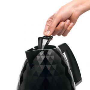 DeLonghi KBJ3001BK Brillante Diamond Jug Kettle Black 03